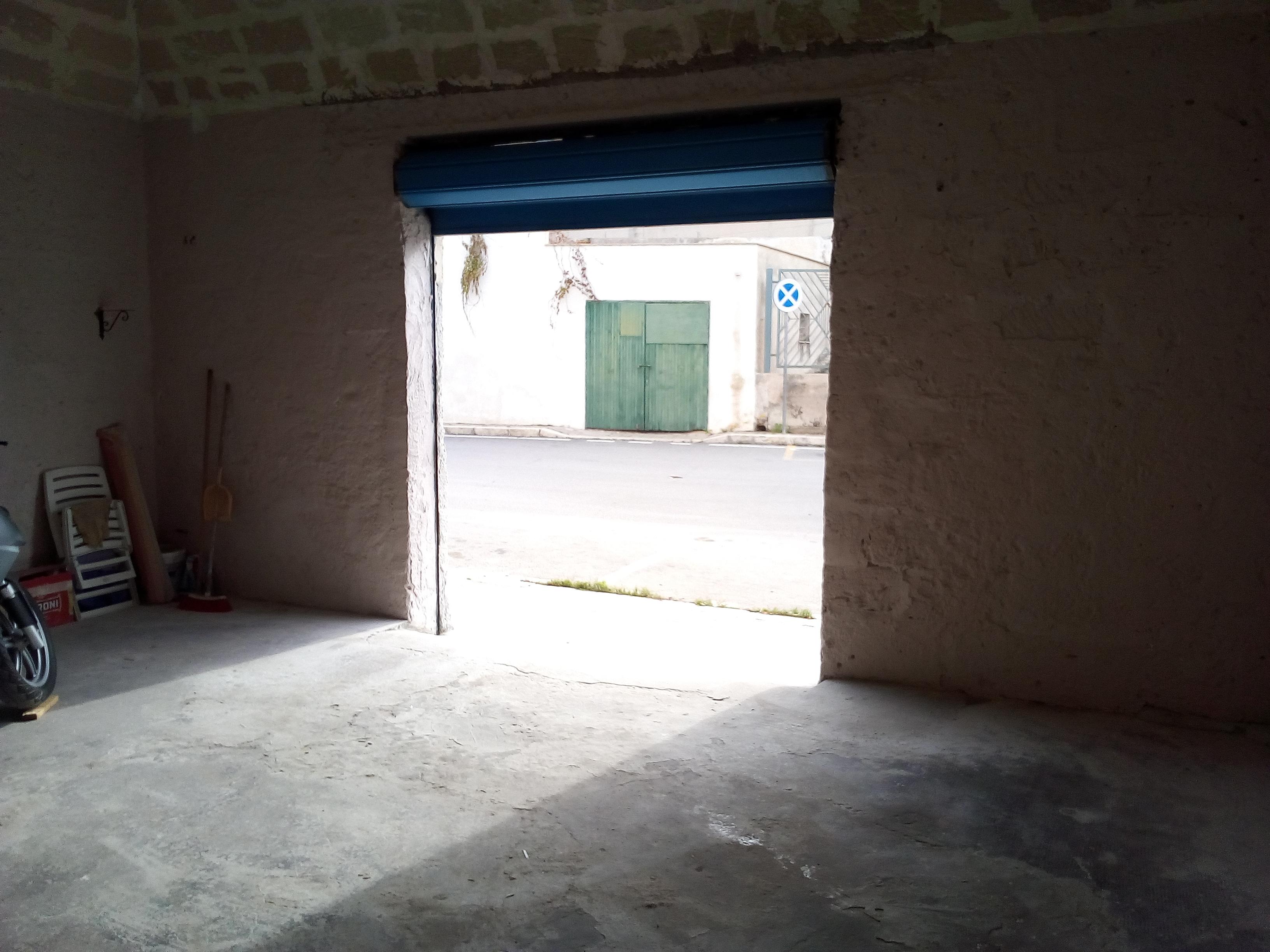 Immobile Garage e Bilocale Pieno centro